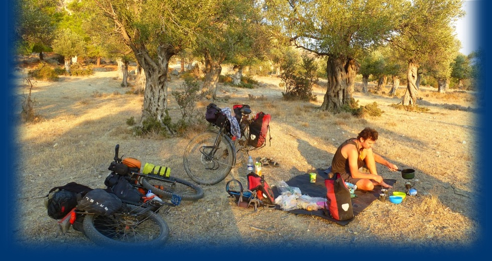 Marijke en Johan bikepacking