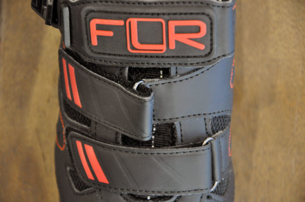 FLR Bushmaster Pro met Vibram zolen. De fiets- en wandelschoen.